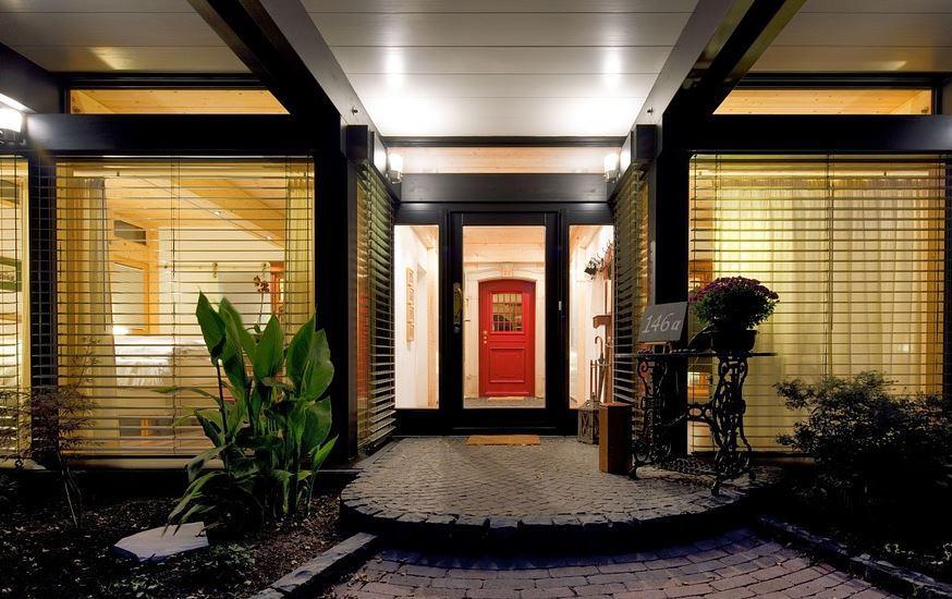 Vordächer für Haustüren werten Ihr Haus auf