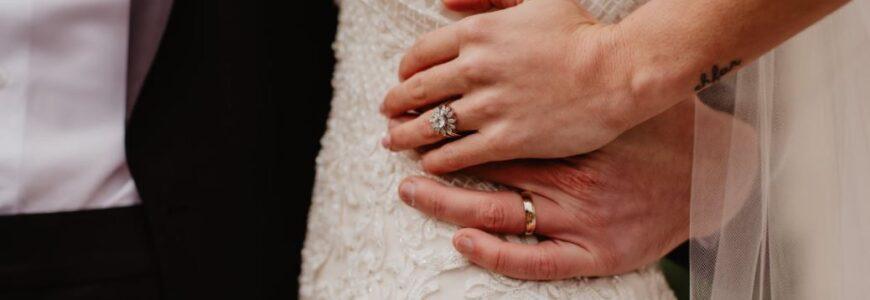 Mit Ringkissen Hochzeit angemessen zelebrieren
